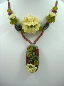 Waterlilly Lampwork Necklace