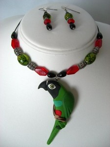 Nanday Conure Necklace